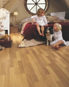 Quick-Step Classic Enhanced Oak Natural Varnished CL998 8mm AC4 Laminate Flooring