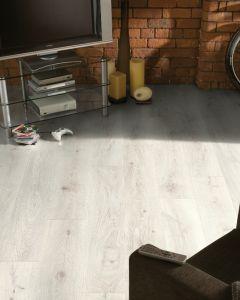 Krono Original Vintage Classic Chantilly Oak 5953 10mm AC4 Laminate Flooring