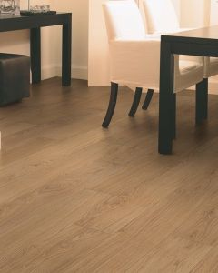 Quick-Step Classic Natural Varnished Oak CLM1292 8mm AC4 Laminate Flooring