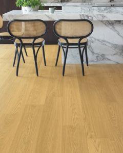 Quick-Step Signature Natural Varnished Oak SIG4749 9mm AC4 Laminate Flooring