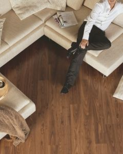 Quick-Step Eligna Oiled Walnut Brown EL1043 8mm AC4 Laminate Flooring