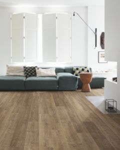 Quick-Step Eligna Riva Oak Brown EL3579 8mm AC4 Laminate Flooring