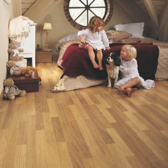Quick-Step Classic Enhanced Oak Natural Varnished CL998 8mm AC4 Laminate Flooring