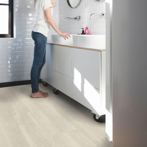 Quick-Step Livyn Pulse Glue Plus Sea Breeze Oak Light PUGP40079 Luxury Vinyl Flooring