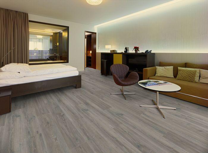 Kronoswiss Grand Selection Evolution Copper Oak D4512 CI 14mm AC5 Laminate Flooring
