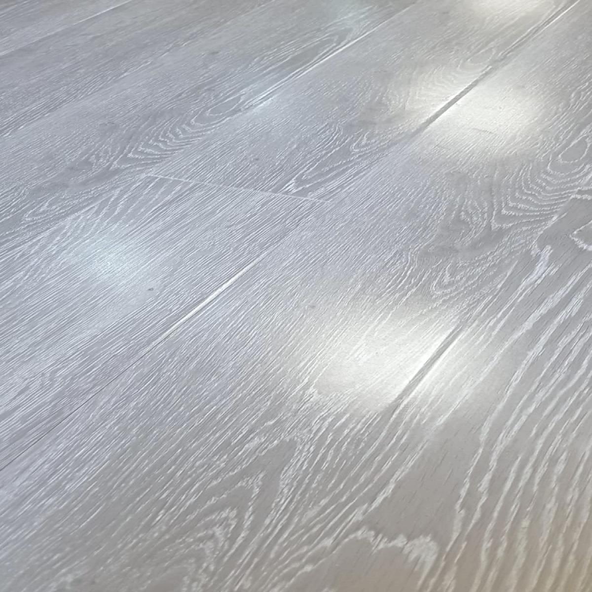 Explora Vintage High Gloss Light Grey, Blue Gray Laminate Flooring